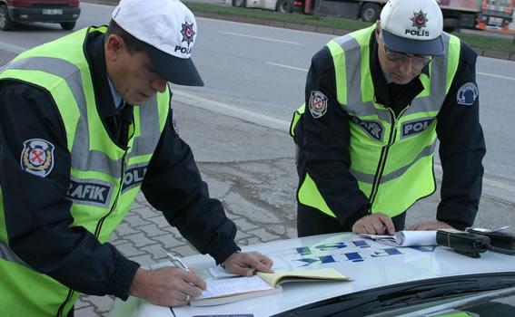 Trafik polisi SGK denetimi de yapacak